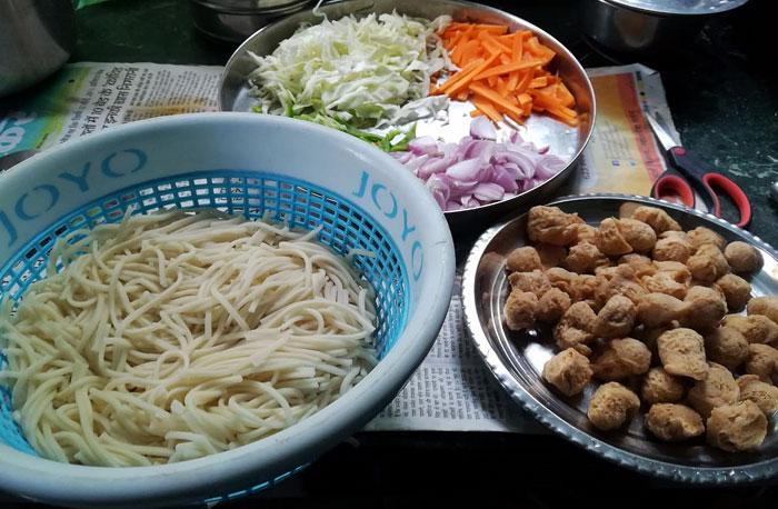 Veg Noodles recipe  Vegetable noodles   Veg Hakka Noodles