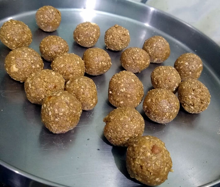 How to make Til ladoo  | Til ke laddu